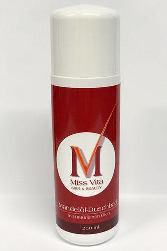 Das Miss-Vita Mandelöl-Duschbad pflegt die trockene Haut. Hochwertige pflanzliche Öle bilden einen Schutzfilm und verhindern das Austrocknen der Haut.