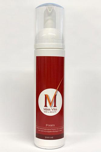 Der Miss-Vita Foam reinigt porentief. Die Glycol- und Salizylsubstanzen machen es für unreine, aber auch für aktivierungsbedürftige Haut empfehlenswert.