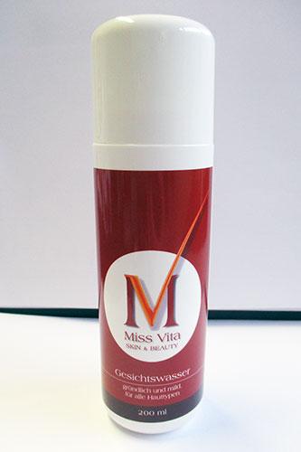 Das Miss-Vita Gesichtswasser ist ein Gesichtswasser zur pHWert-Stabilisierung. Hamamelis, Bisabolol und Allantoin beruhigen die Haut.