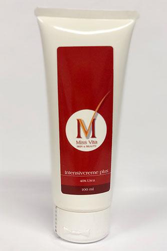 Die Miss-Vita Intensivcreme + 40% Urea ist speziell gegen Hyperkeratosen entwickelt. Sie befreit verhärtete Haut von übermäßiger Verhornung.