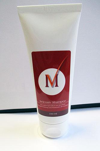 Miss-Vita Selensiv Shampoo wurde speziell für die Behandlung trockener Kopfhaut-Schuppen entwickelt und wirkt intensiv gegen Irritationen der Kopfhaut.